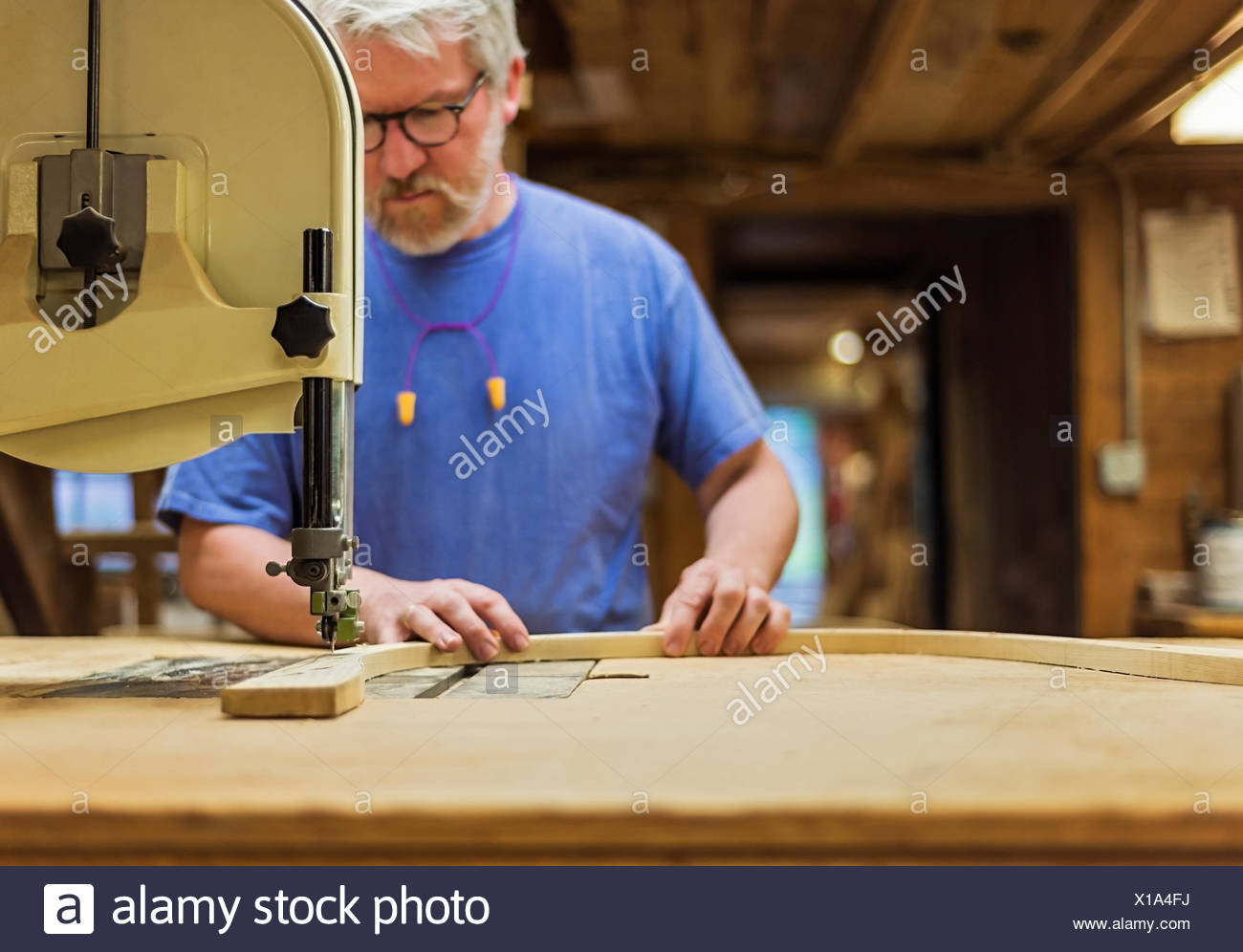 Carpenter il lavoro in officina Immagini Stock