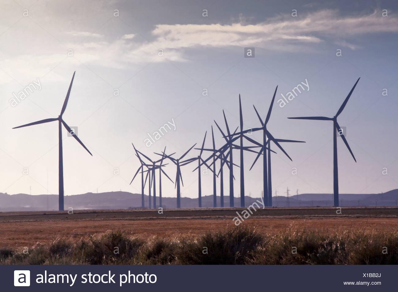 Spagna, Europa, Aragona, fattoria eolica, l'energia eolica, la turbina eolica, l'energia, con Belchite, ecologico Immagini Stock
