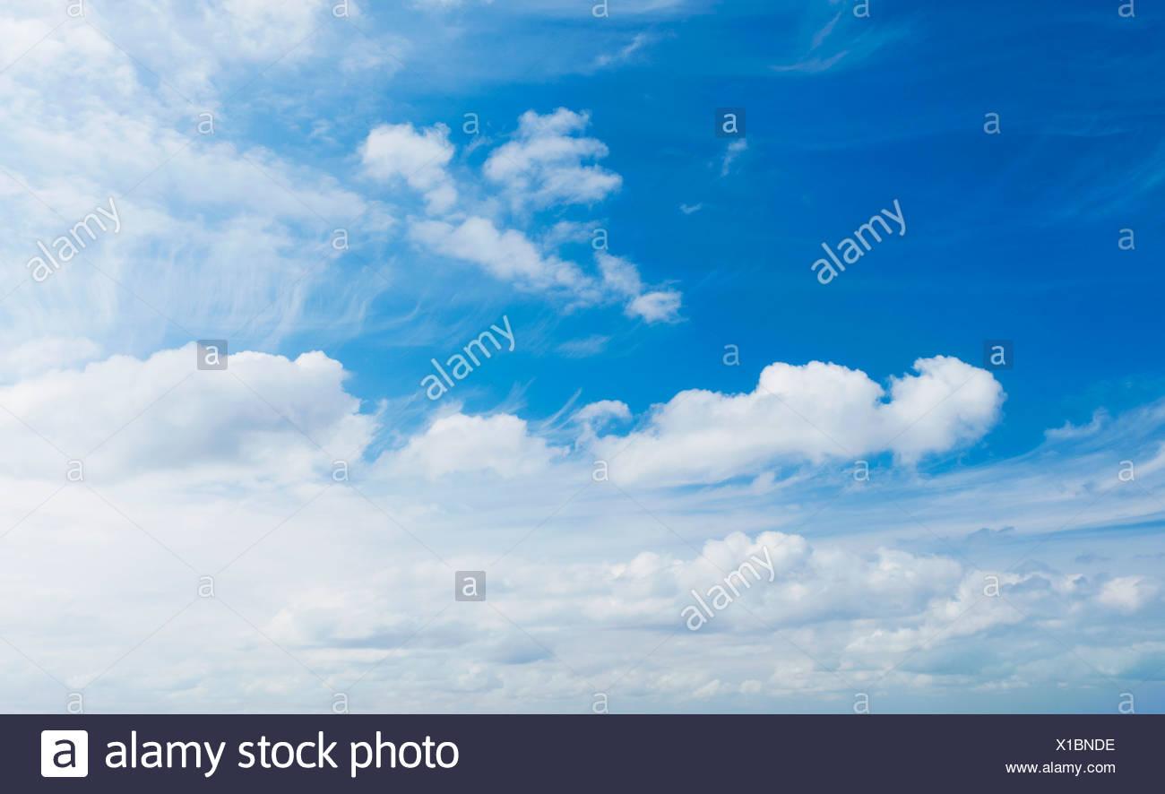 Nuvole bianche Foto Stock