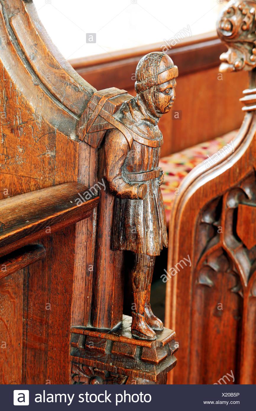 Il Swaffham Peddler, medievale intaglio del legno, Swaffham chiesa, Norfolk, Inghilterra, Regno Unito Immagini Stock