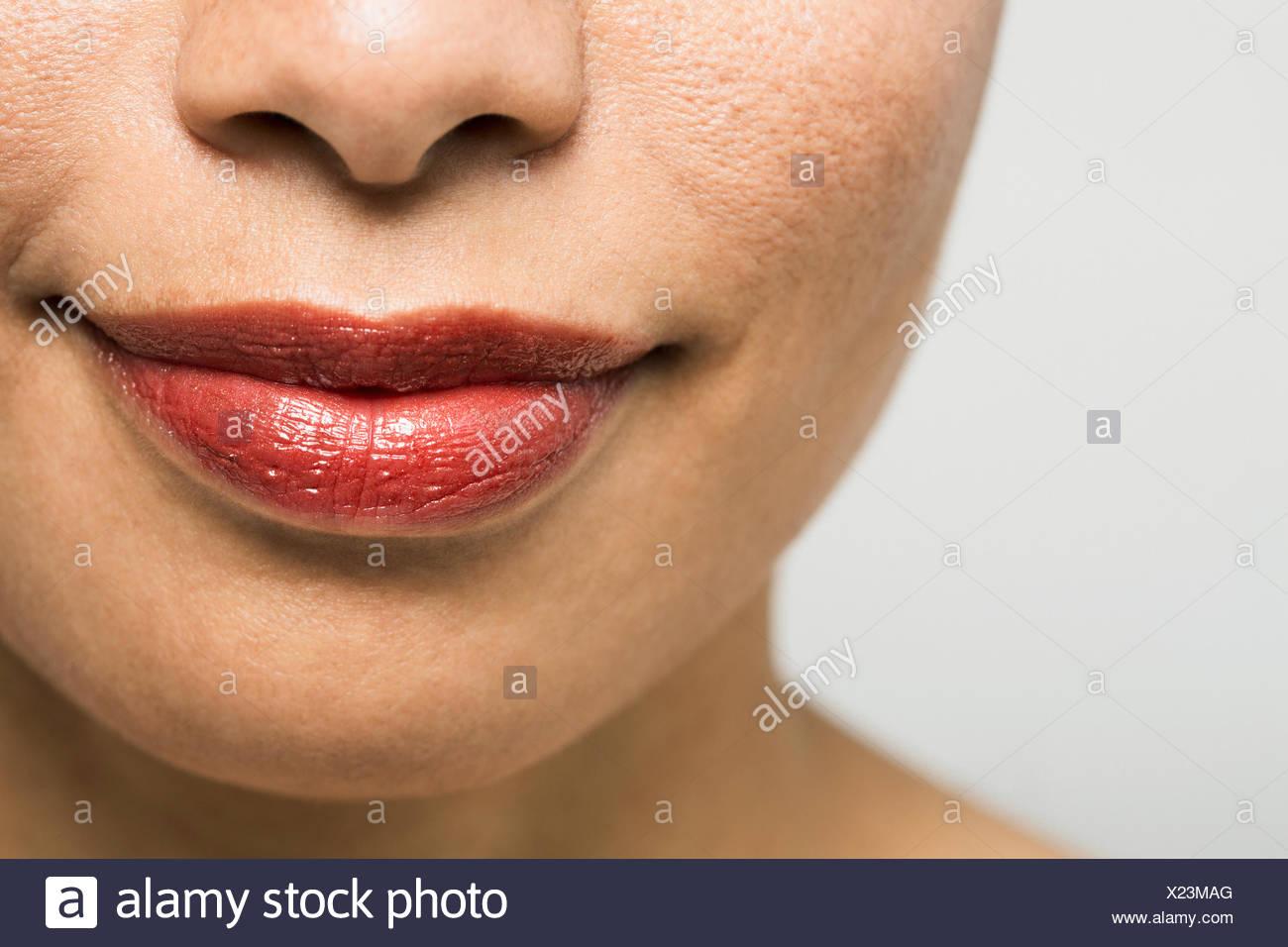 Close up ritratto di donna con rossetto rosso Immagini Stock
