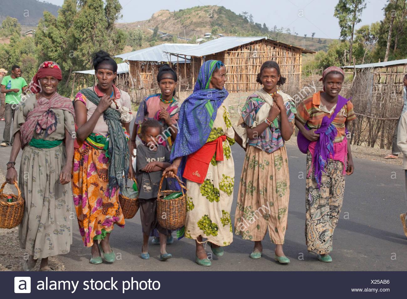 Persone, Oromo, Etiopia, tribù, Africa, donna, asino, Immagini Stock