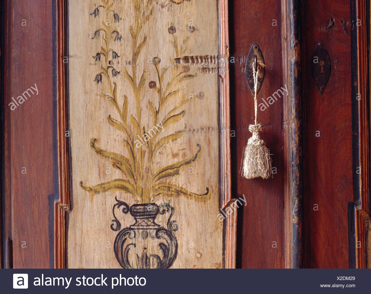 Credenza Con Llave : Key tassel immagini & fotos stock alamy