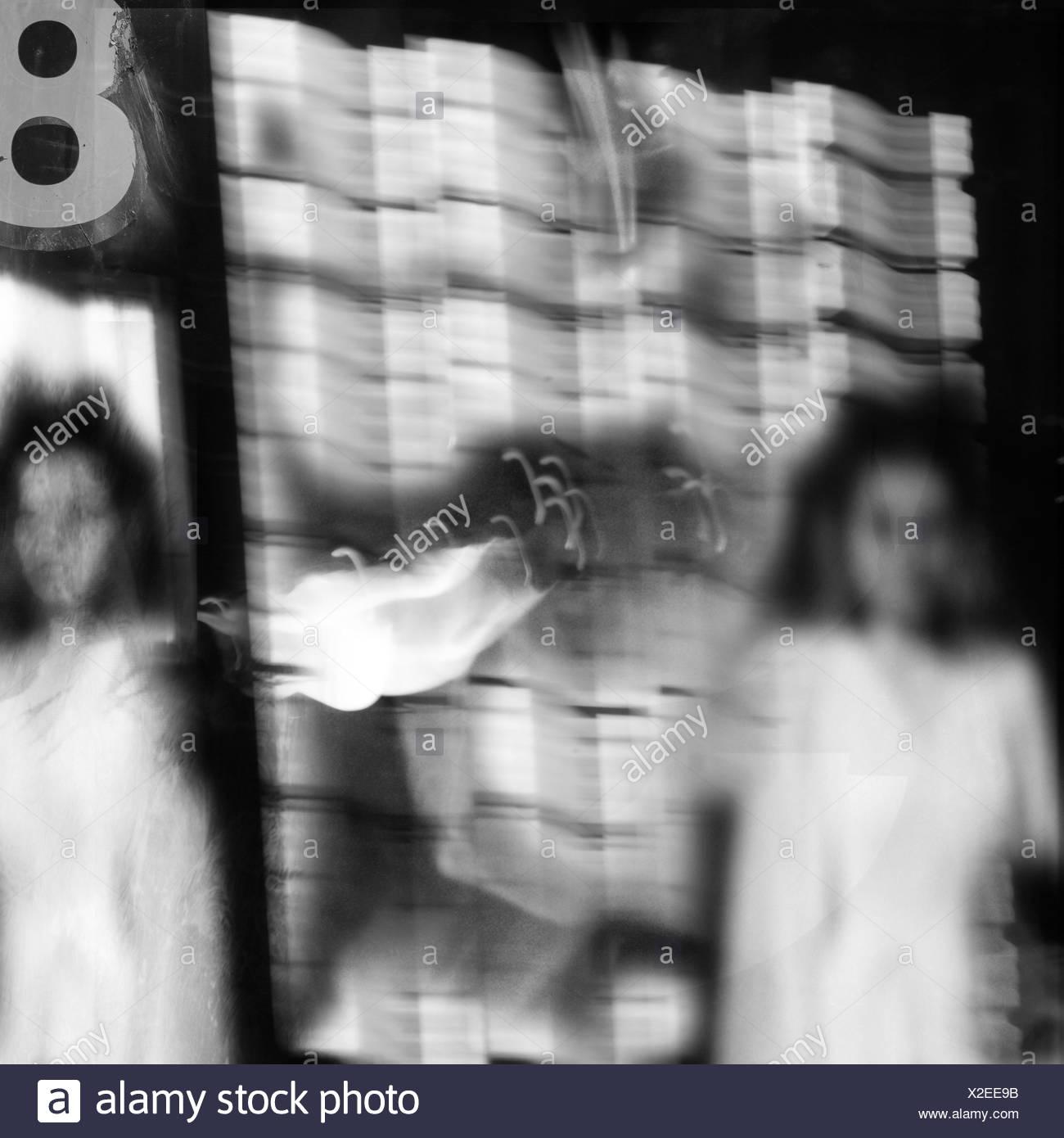 Sogno di immagine di gemelli con scintille tra di essi Immagini Stock