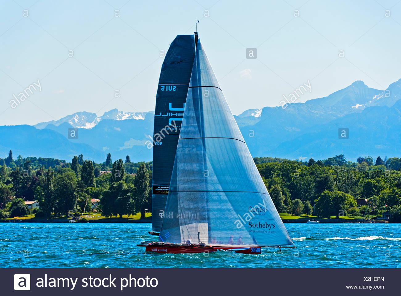 Barca a vela sui 5 Inclinazione del Team, sul Lago di Ginevra, regata Bol d'o Mirabaud, Cantone di Ginevra, Svizzera Immagini Stock