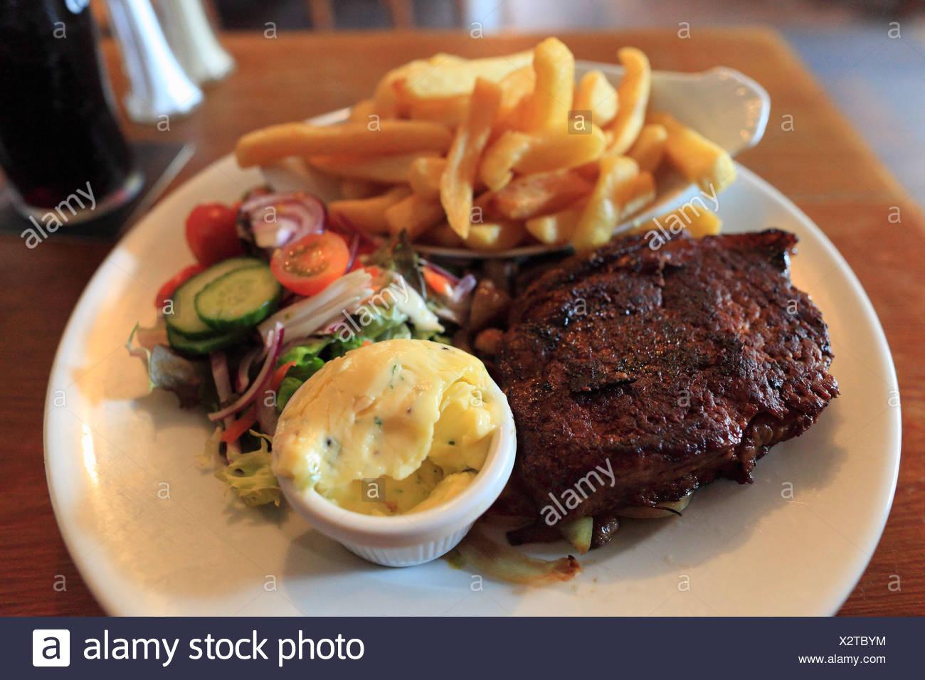 Bistecca di manzo, O Connor's Pub, Doolin, County Clare, Repubblica di Irlanda, Europa Immagini Stock
