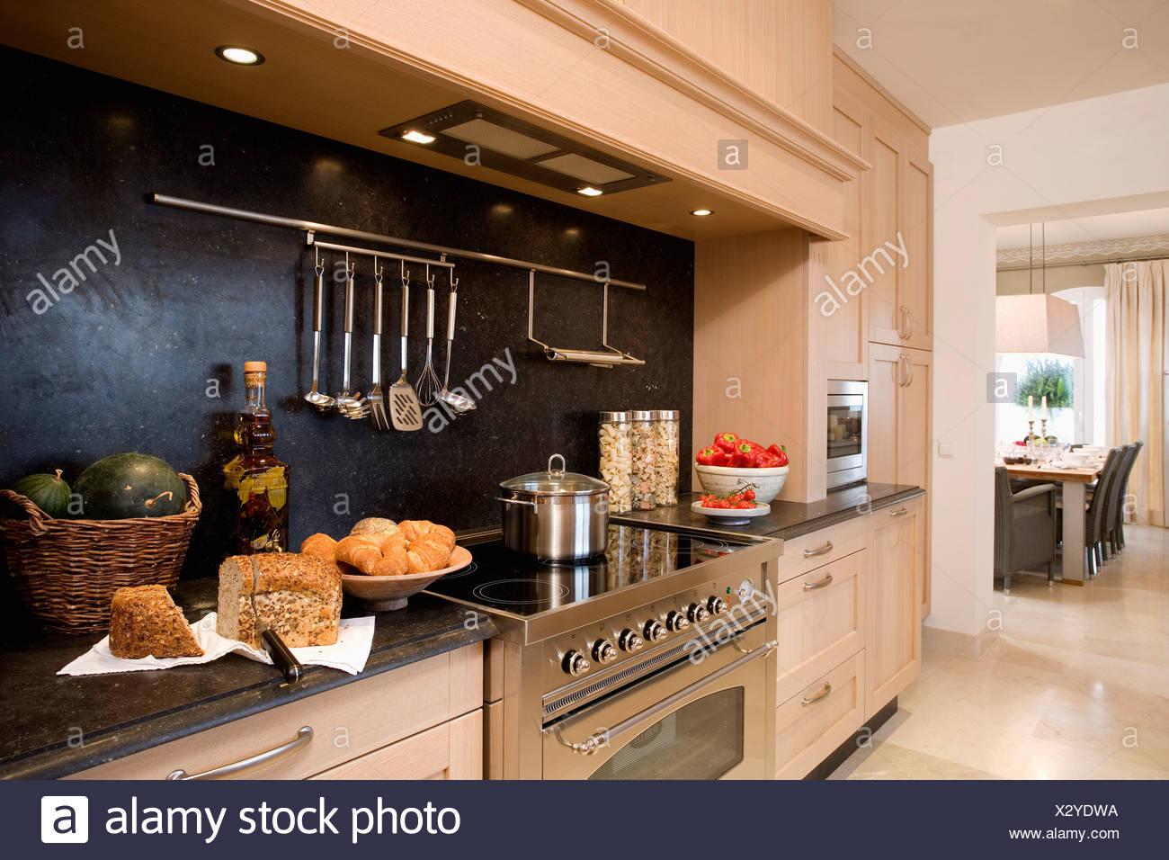Illuminazione Piano Lavoro Cucina illuminazione incassata al di sopra della pagnotta di pane e