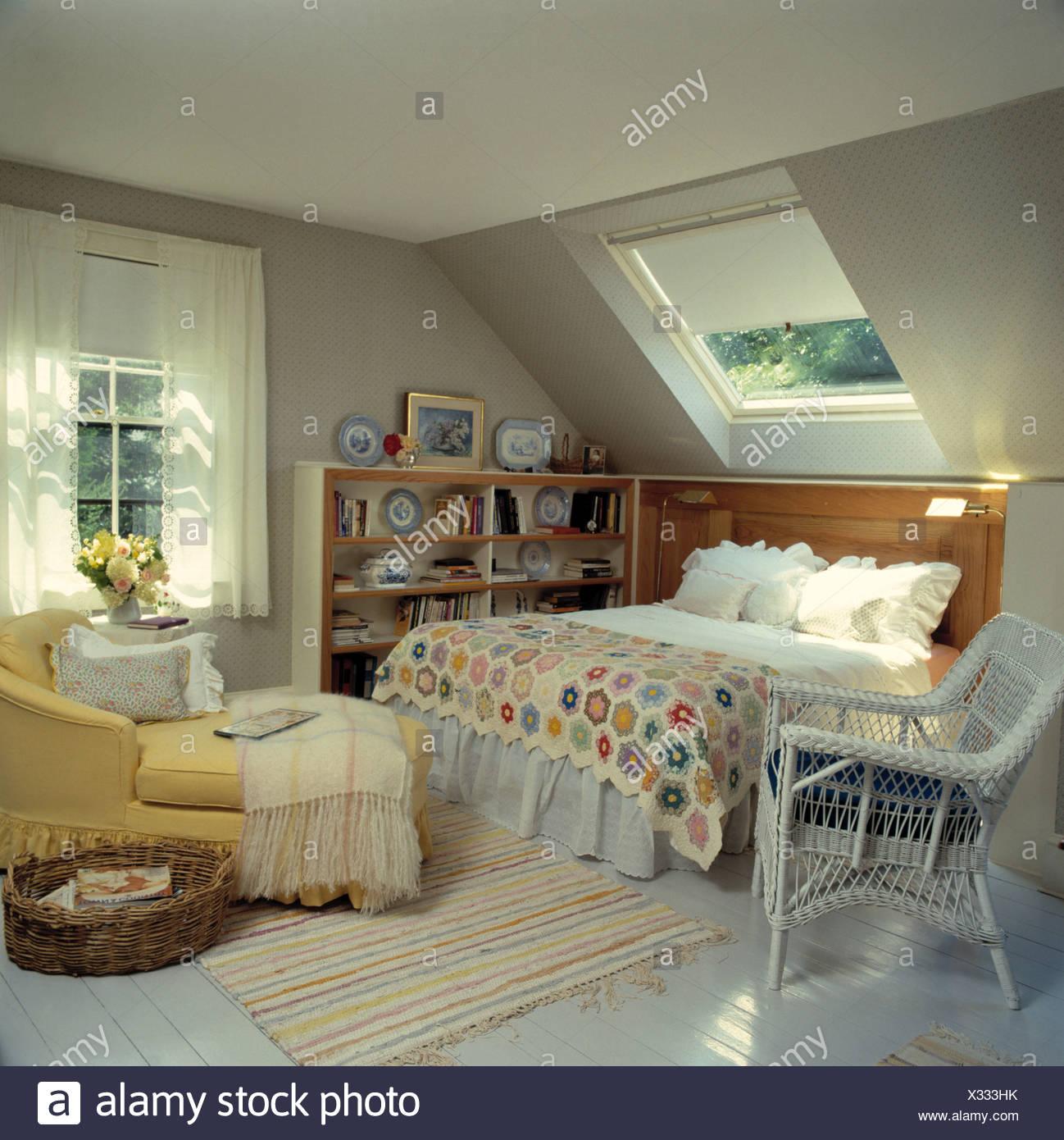 Camera da letto mansarda Foto & Immagine Stock: 277278559 - Alamy