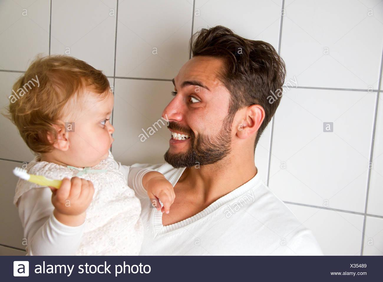 Vater Immagini & Vater Fotos Stock - Alamy