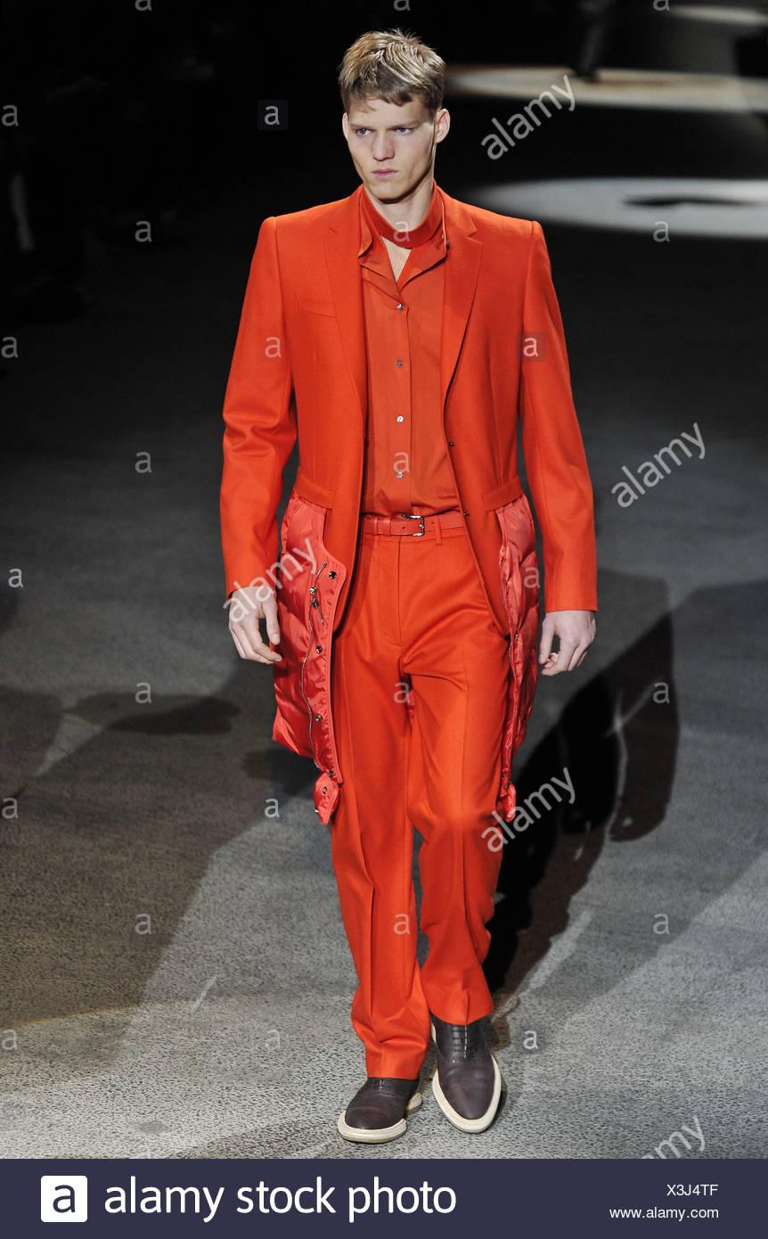 e6a57ebfe9 Louis Vuitton Paris pronto a indossare abbigliamento Uomo Autunno ...