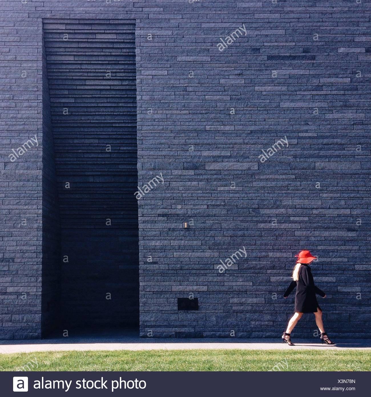 Side-View della donna in tacchi alti Immagini Stock