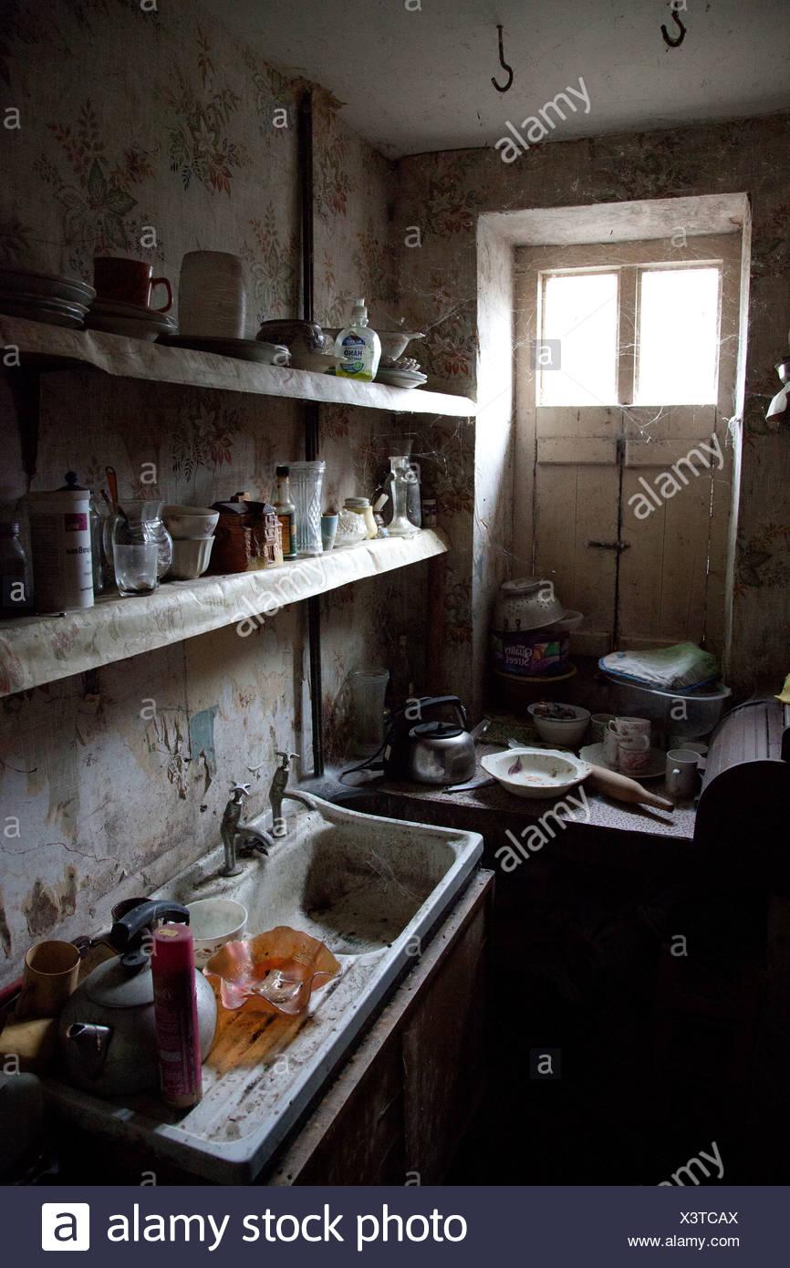 Vecchia cucina abbandonati Foto & Immagine Stock: 277746418 - Alamy