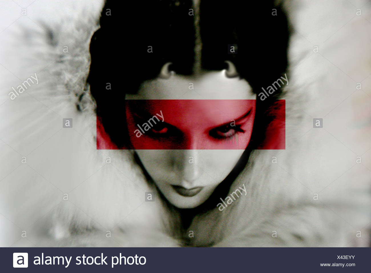 Un volto di donna degli anni venti con piccoli diavoli corna e una  sovrapposizione di colore 672b58b4d093