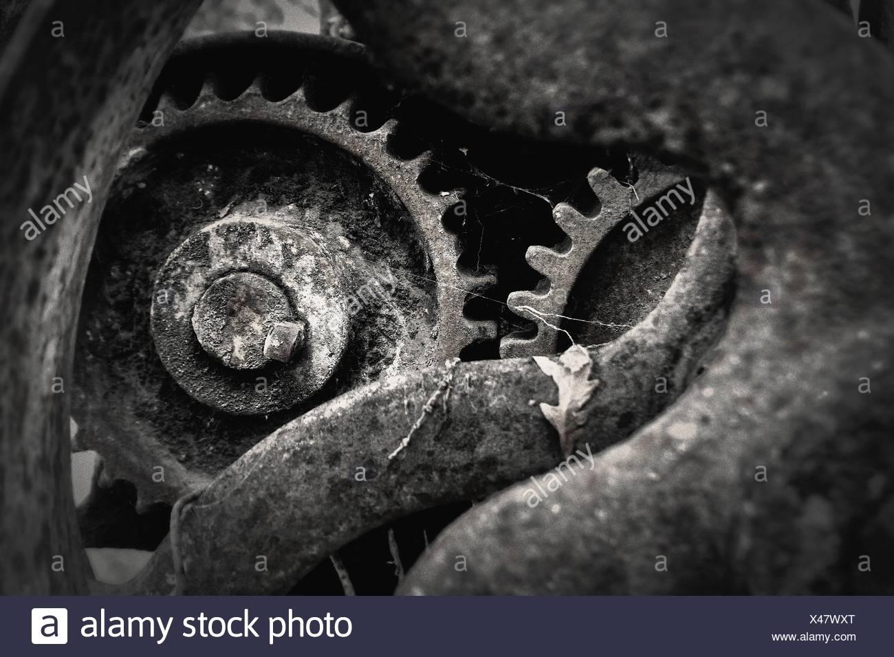 Close-Up di Rusty abbandonato parte della macchina Immagini Stock