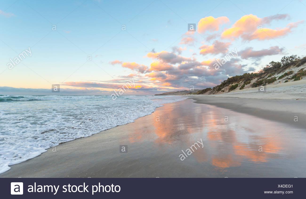 San Clairs Beach, tramonto sulla spiaggia, Otago, Isola del Sud, Nuova Zelanda Foto Stock