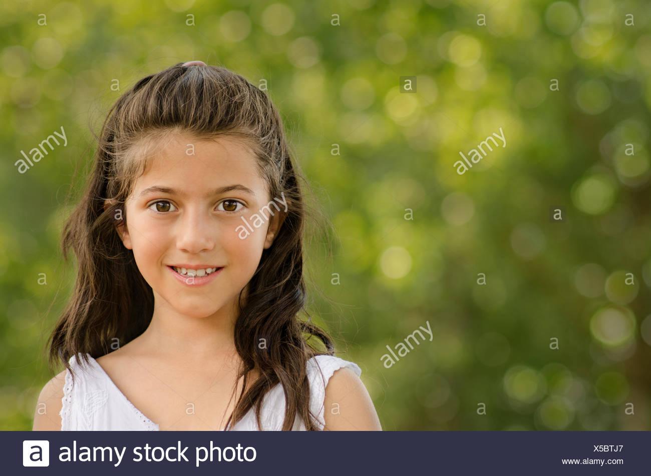Affascinante piccolo ragazza (8-9) Immagini Stock