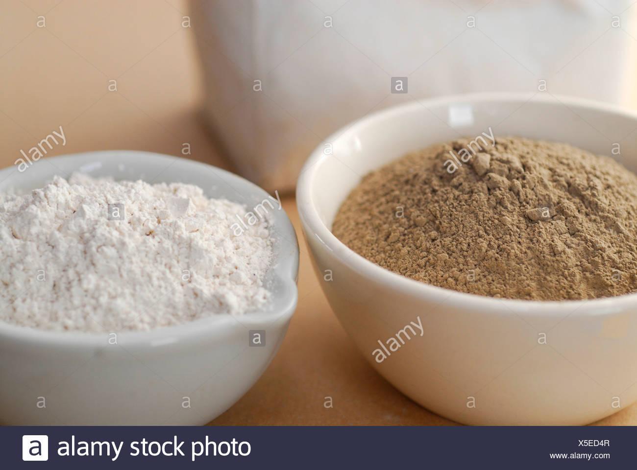 Argilla Ghassoul polvere prive di tensioattivo minerale nature alternativa al sapone e shampoo Immagini Stock