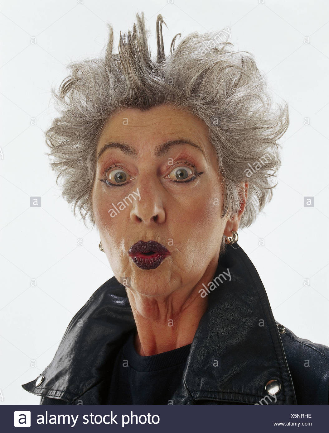 online retailer ebae6 85c40 Senior, capelli, retro-pettini, make-up, una palla di cuoio ...