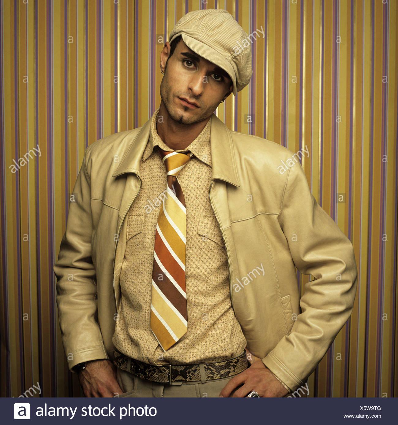 Uomo con cappuccio, uno stile rétro Immagini Stock