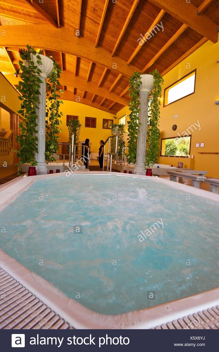 La Baronia de Les thermal spa, Val d'Aran, Pirenei, provincia di Lleida, Catalogna, Spagna Immagini Stock