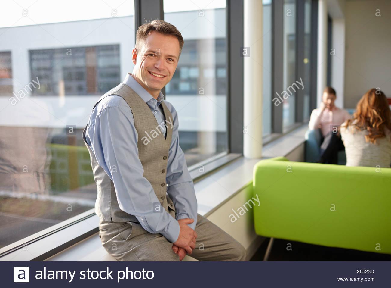 Ritratto di uomo maturo indossando gilet Immagini Stock