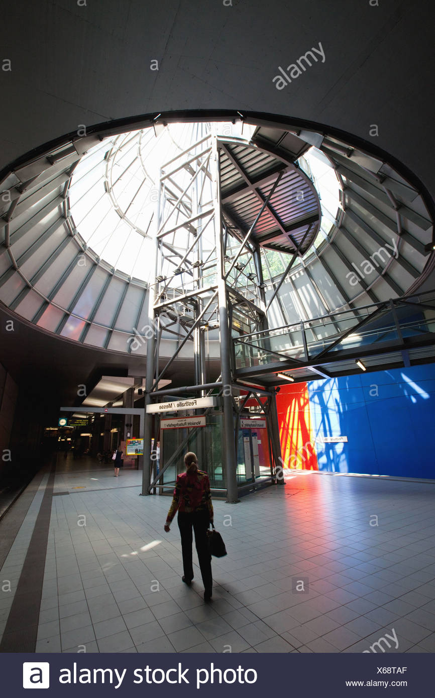Il commercio equo e solidale la stazione della metropolitana nel commercio equo e solidale nel distretto di Frankfurt am Main, Germania, Europa Immagini Stock