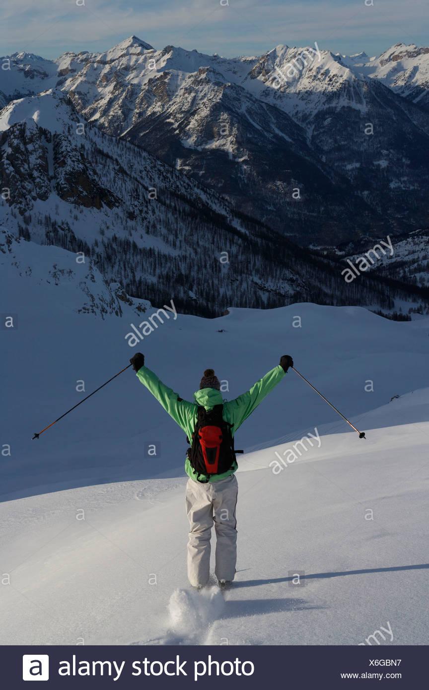 Sciatore, sci fuori pista. Immagini Stock
