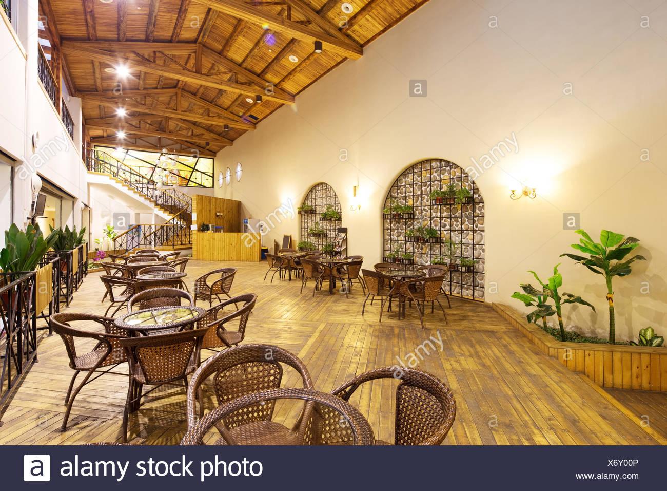 Interno del salotto con mobili in bambù Foto & Immagine Stock ...