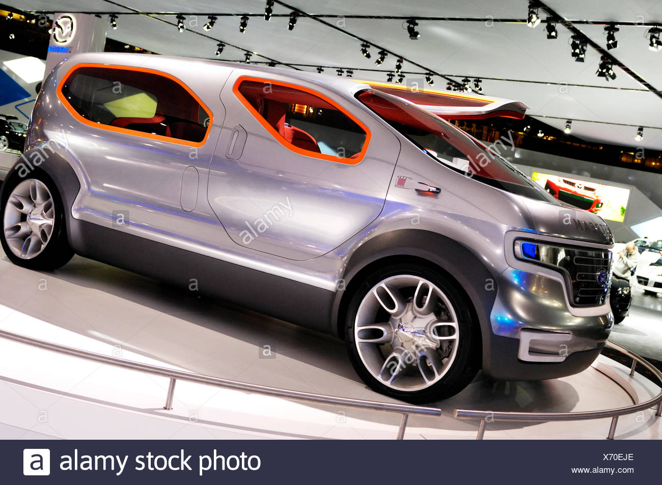 Ford, Airstream crossover futuristico concept car powered by HySeries drive plug-in idrogeno ibrido di celle a combustibile Immagini Stock