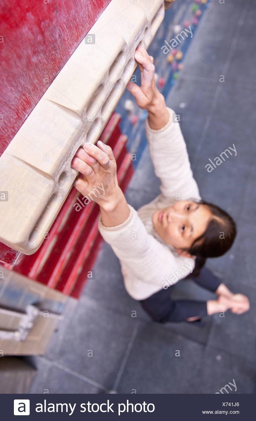 Scalatore praticare sulla parete interna Immagini Stock