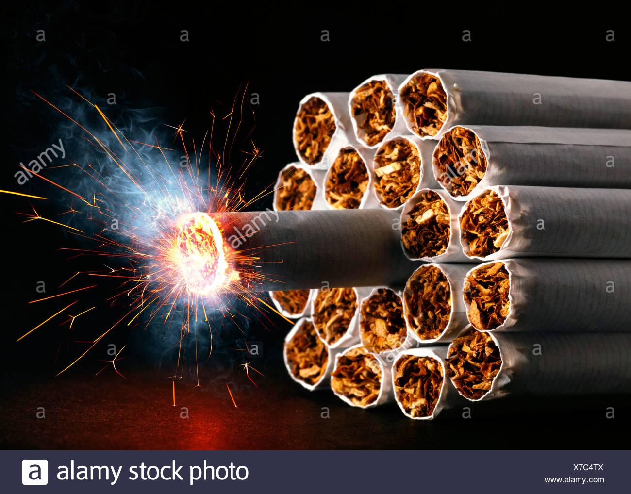 I pericoli del fumo, immagine concettuale Immagini Stock