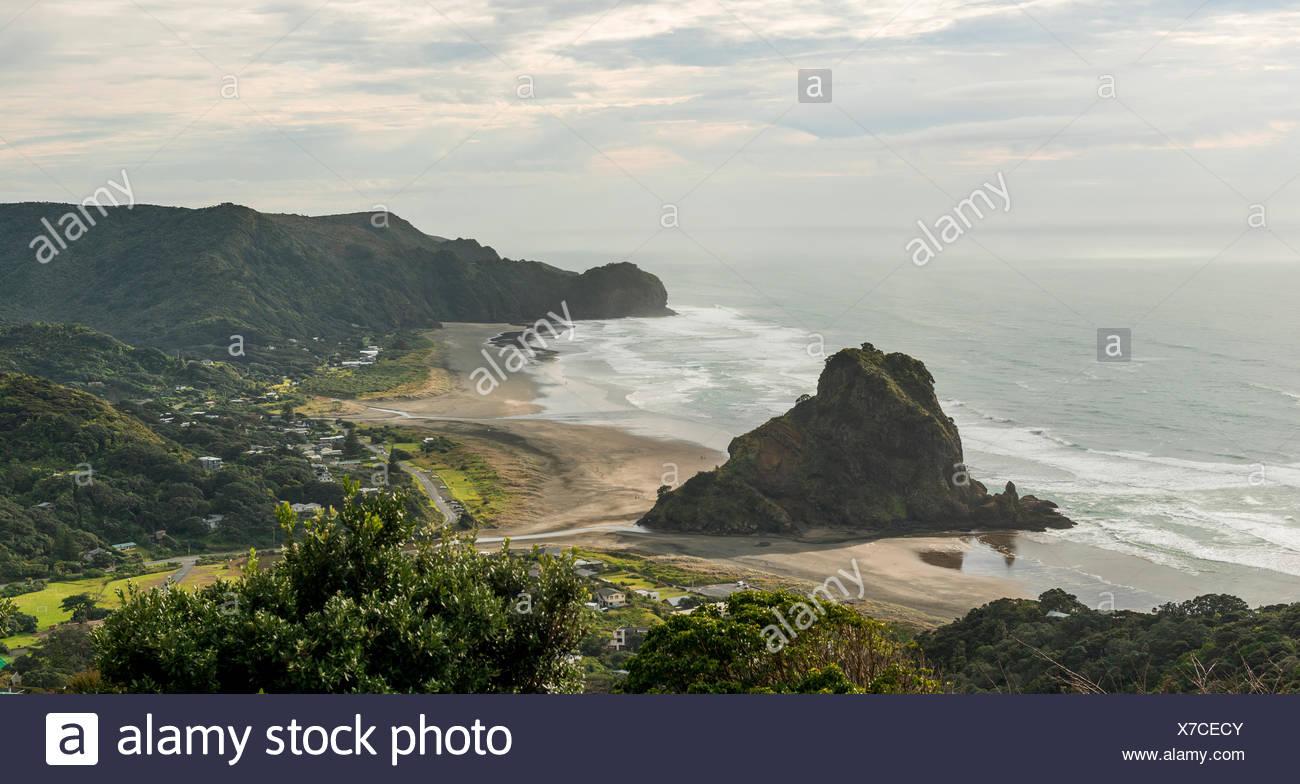 Piha Beach, nei pressi di Auckland, Isola del nord, Nuova Zelanda Immagini Stock