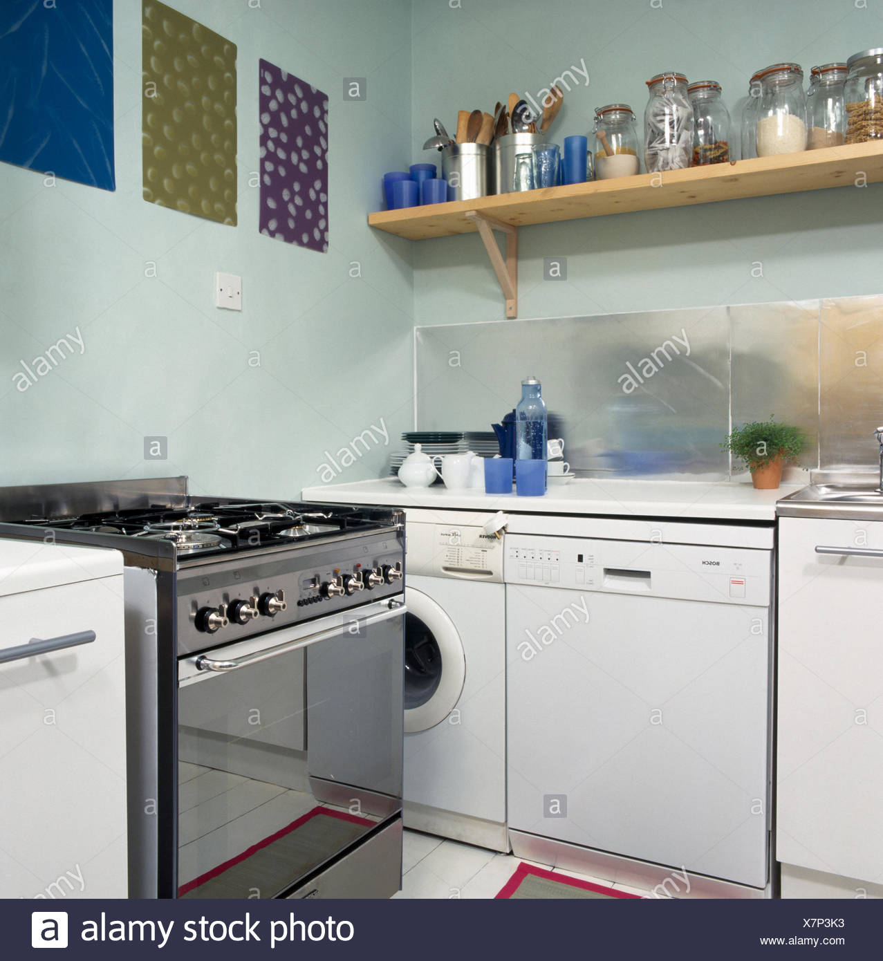 Acciaio inossidabile gamma forno con lavastoviglie e lavatrice in economia degli anni novanta - Lavatrice cucina ...