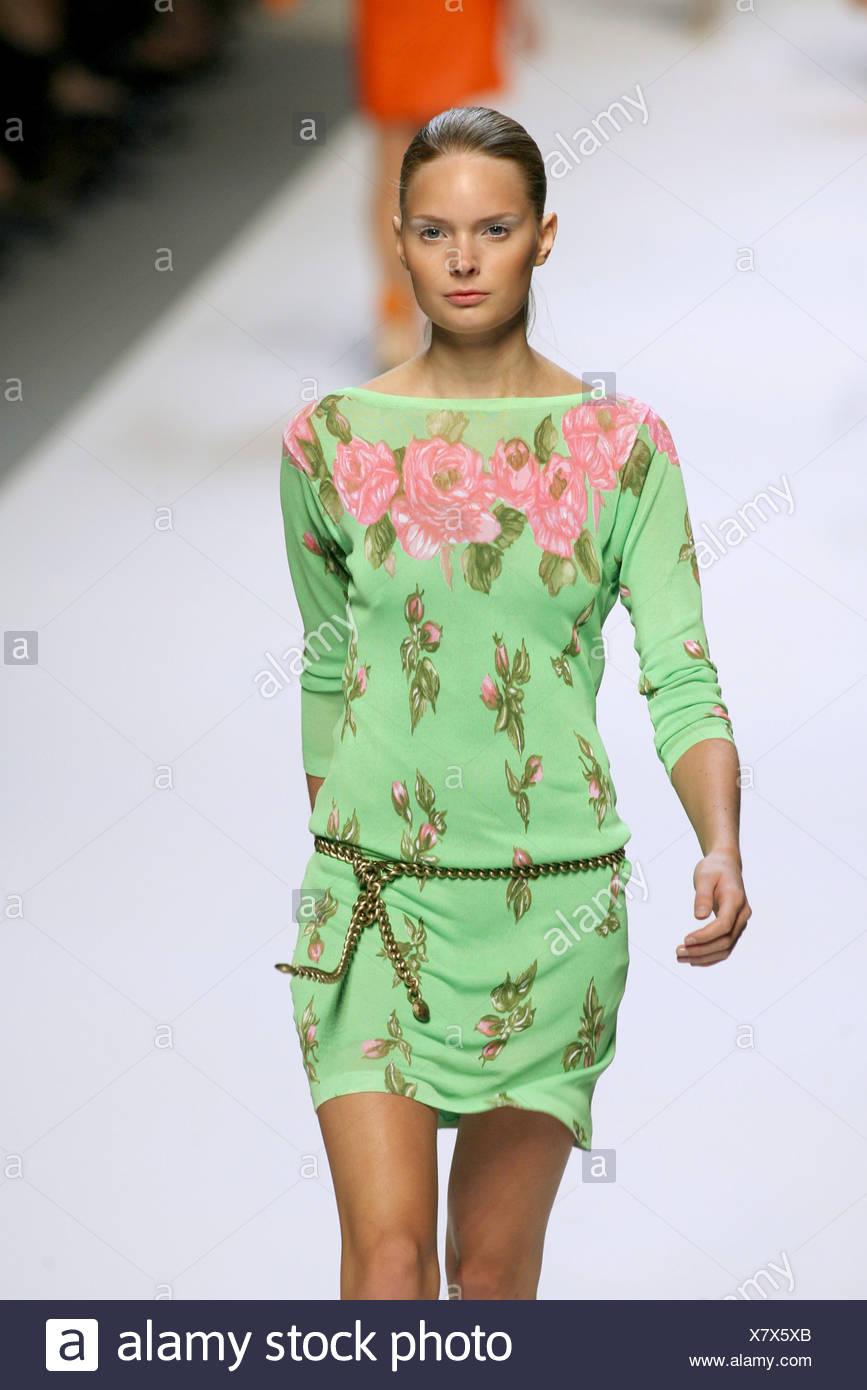 Blumarine Milano pronto a indossare Primavera Estate verde rosa stampa  floreale corto abito in jersey con 772c2529897f