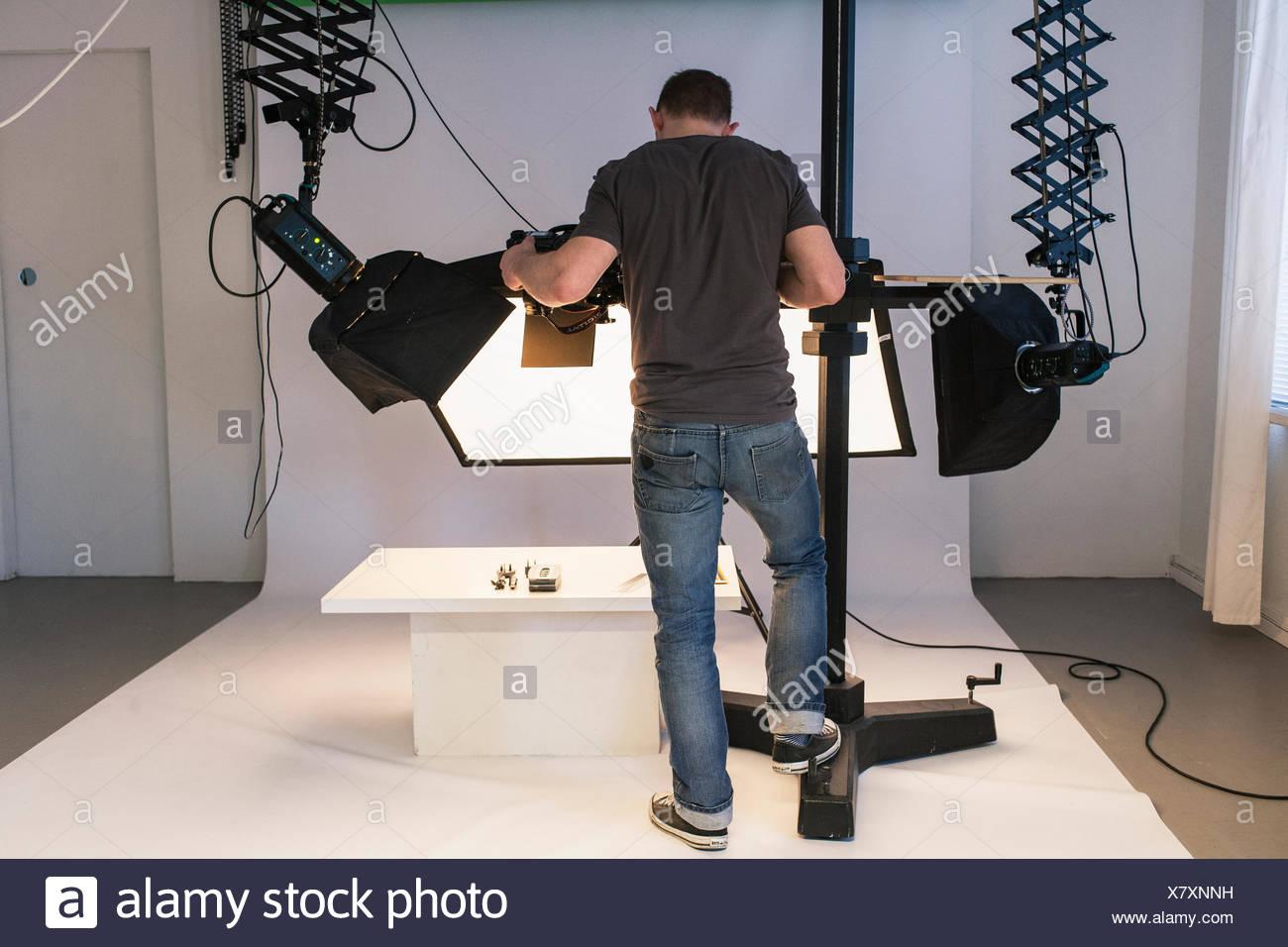 Fotografica uomo in studio Immagini Stock