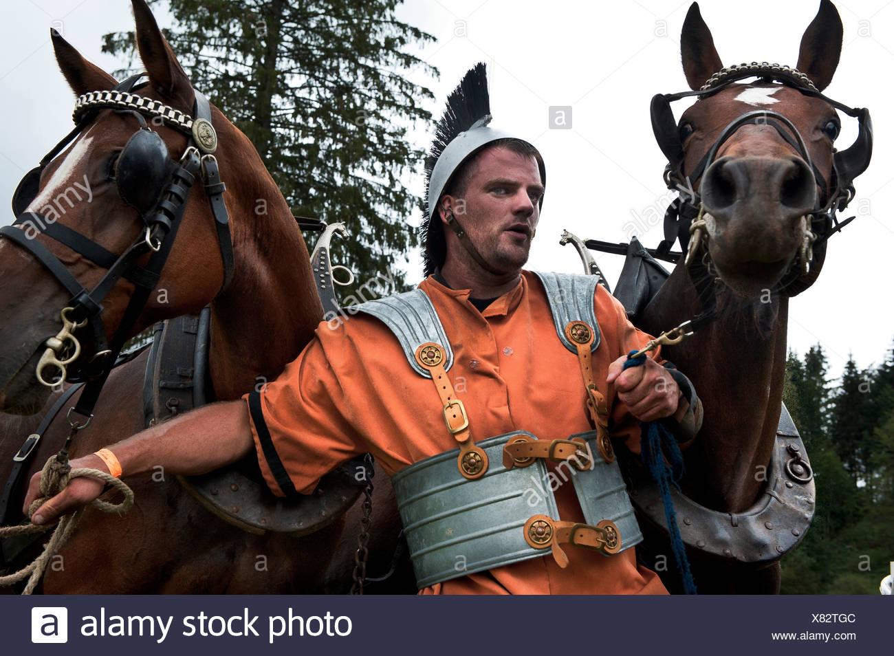 Personalizzato, tradizioni, costumi, Franche montagne, Auriga, gladiator, romana, cavalli, cavallo di razza, Saignelégier, Svizzera, cha Immagini Stock