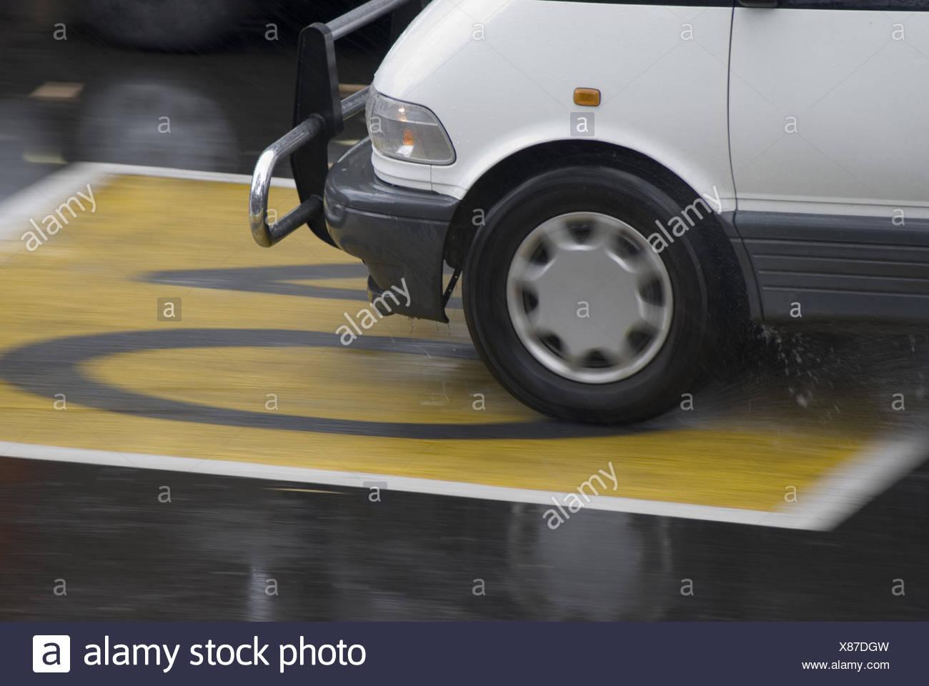 strade bagnate Immagini Stock