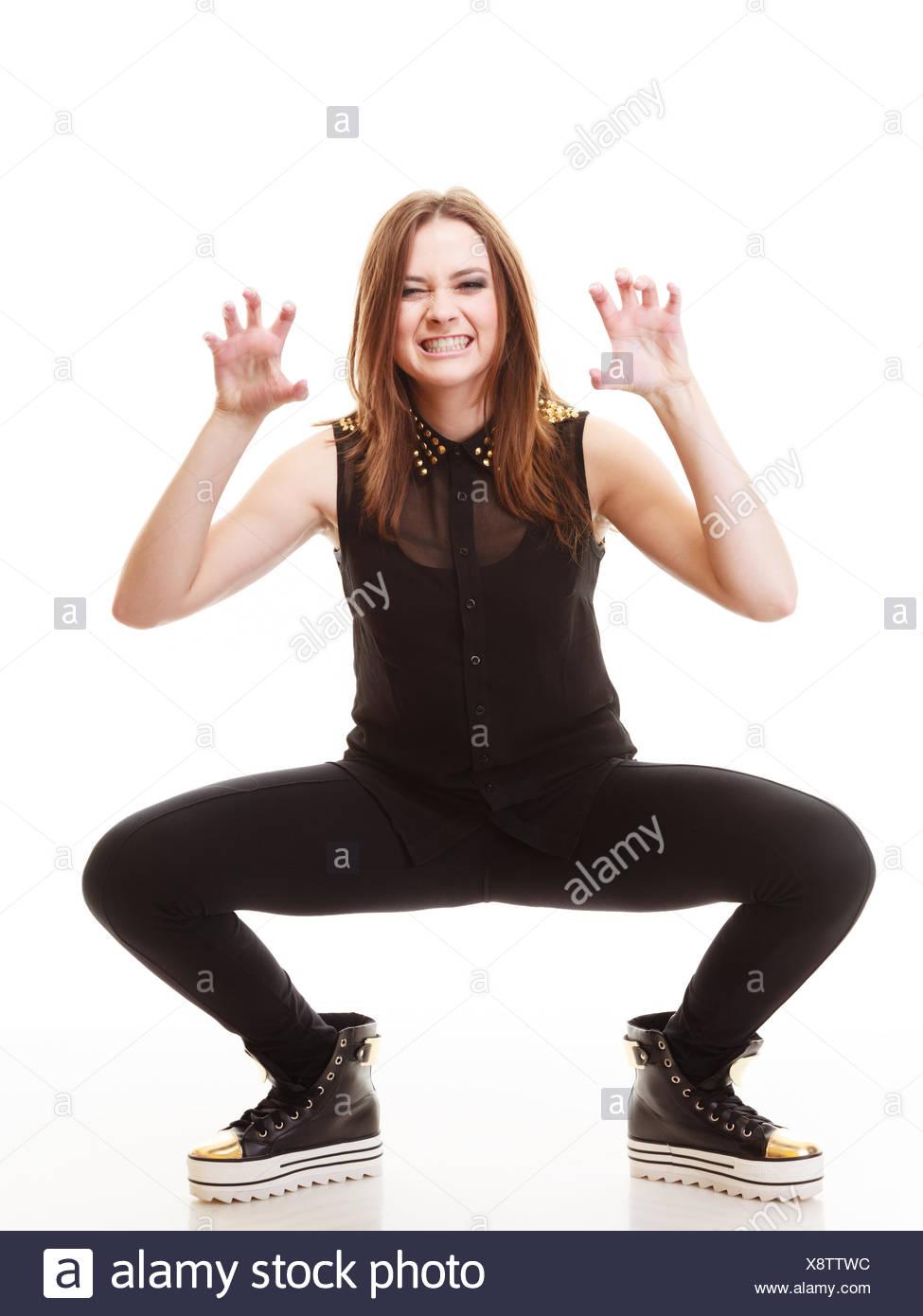 b92f596a62df I giovani adolescenti - concetto di piena lunghezza elegante modello giovane  ragazza adolescente in stile casual vestiti rendendo silly face