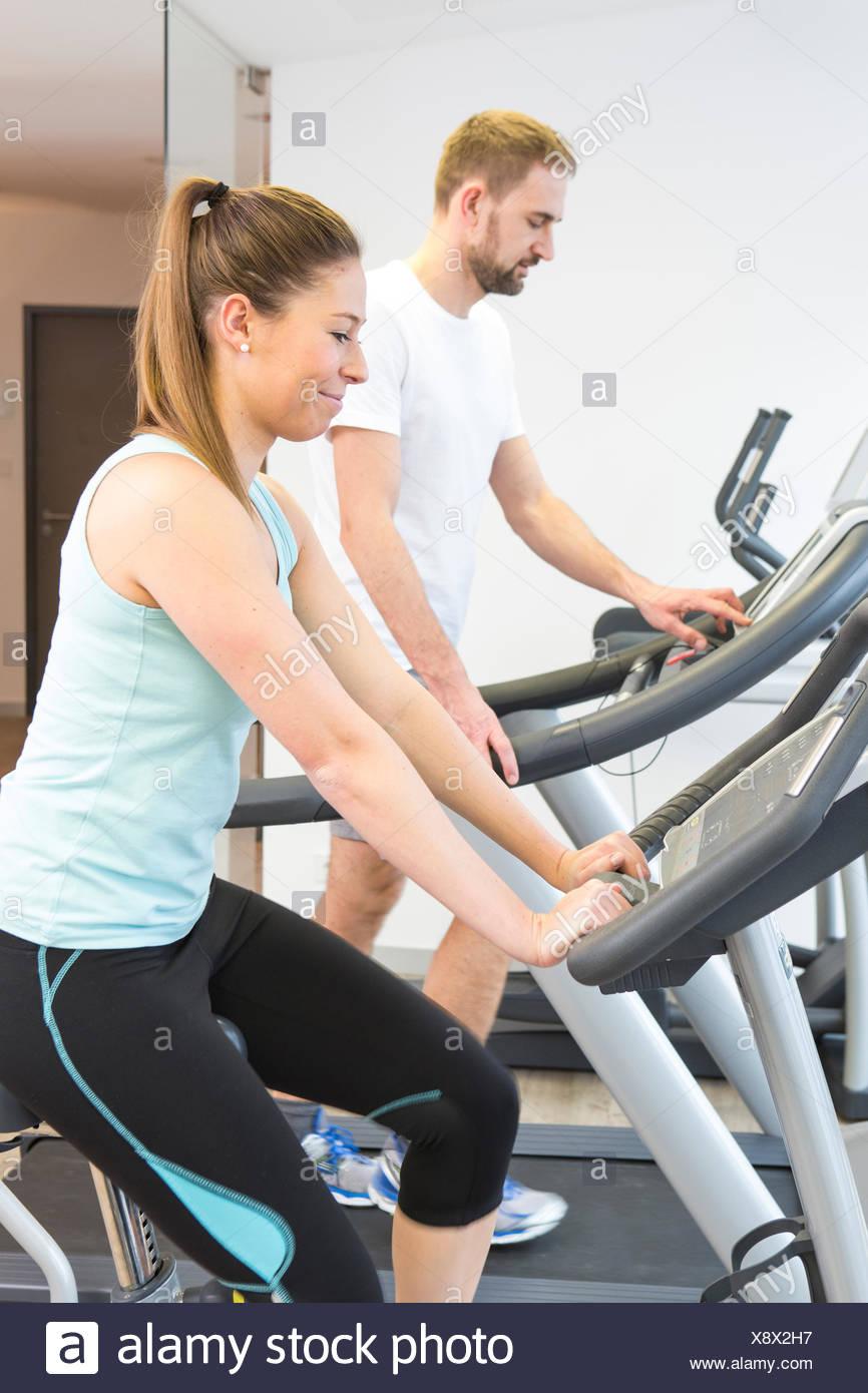 Allenamento di fitness in bici Immagini Stock