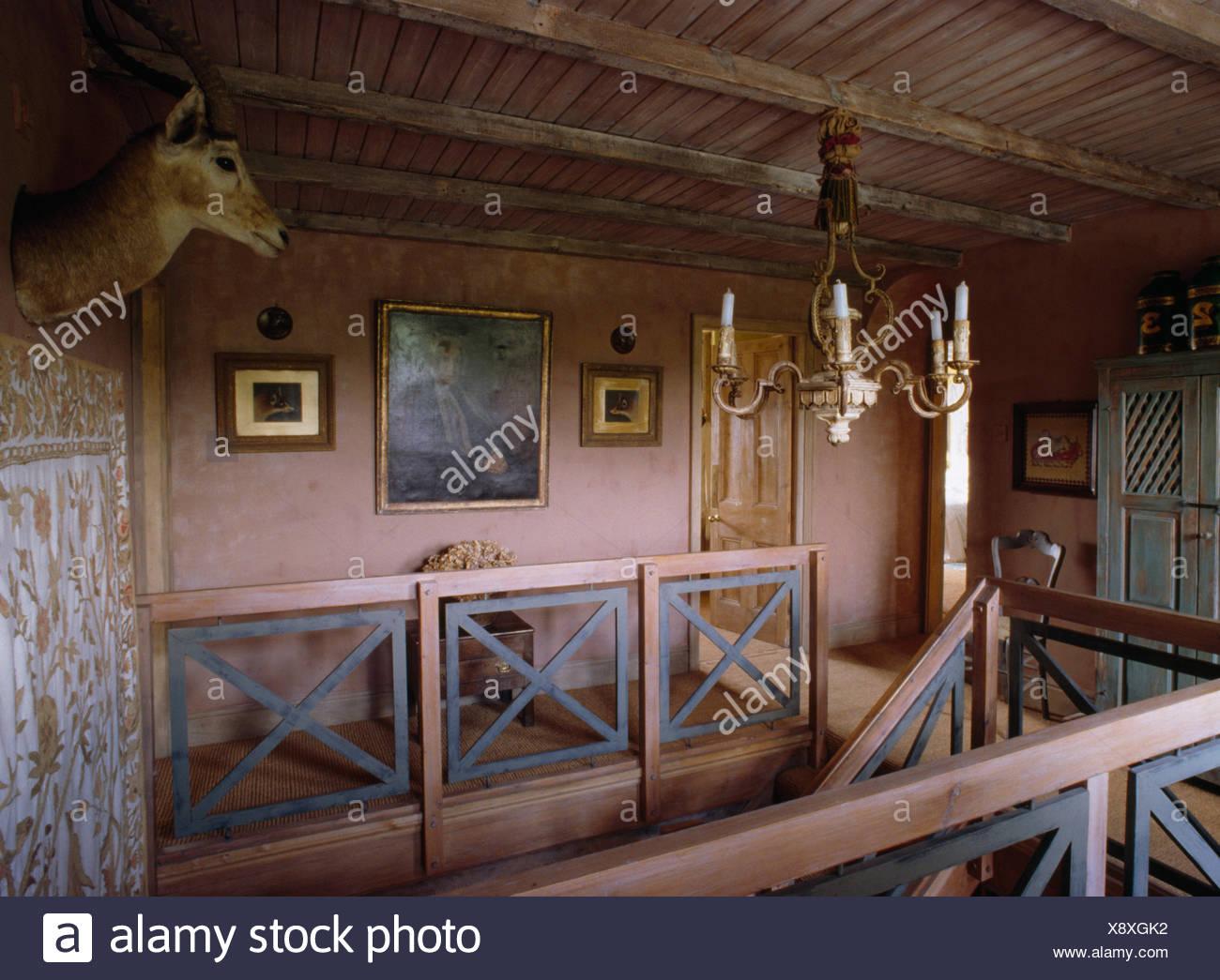 Plafoniere Esterno Su Palu : Lampadario su legno architettura foto gratis