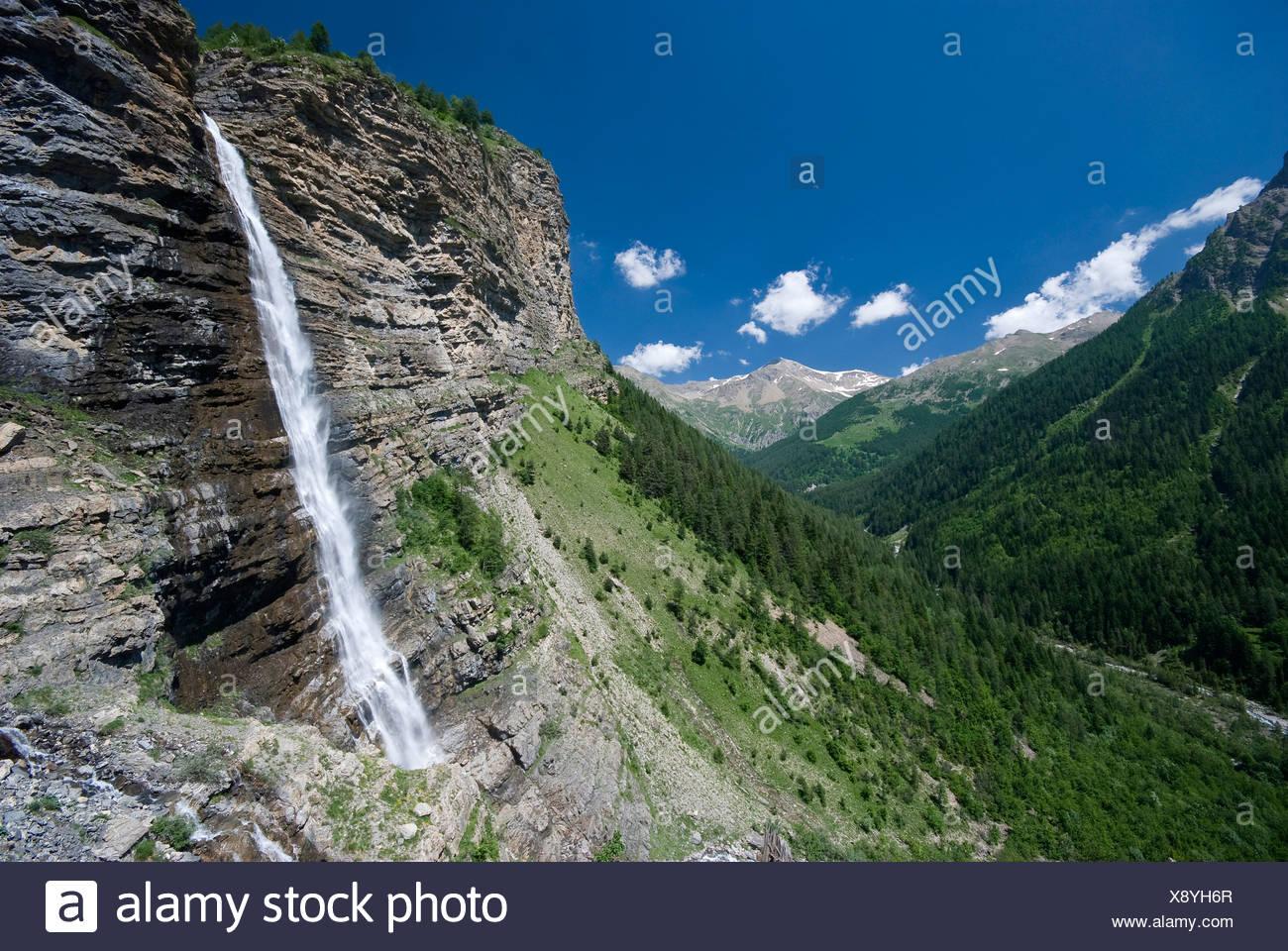 La Pisse cascata. Rabioux Valley. Des Ecrins Nat. Parco. Francia Immagini Stock