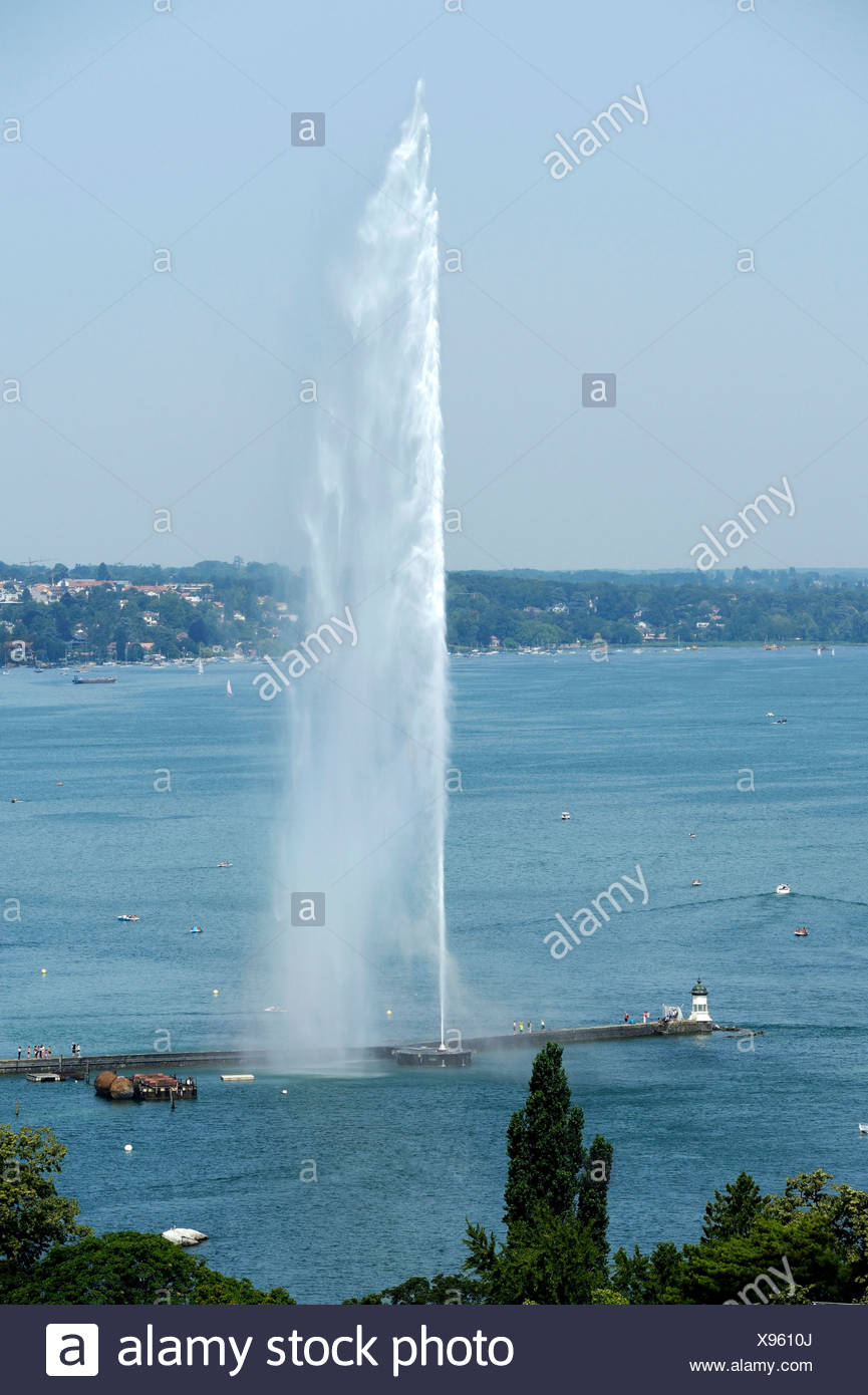 Lago di Ginevra con il Jet d'Eau, Ginevra, Svizzera, Europa Immagini Stock