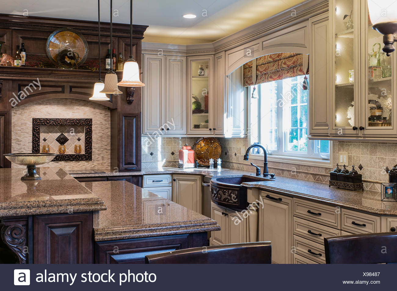 Cucina di lusso interior design foto immagine stock - Cucina di lusso ...