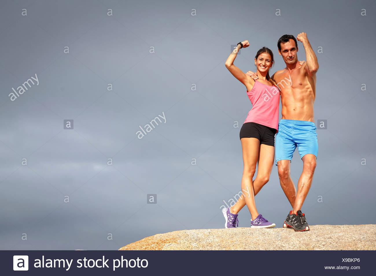 Accoppiare i muscoli di flessione sul boulder Immagini Stock