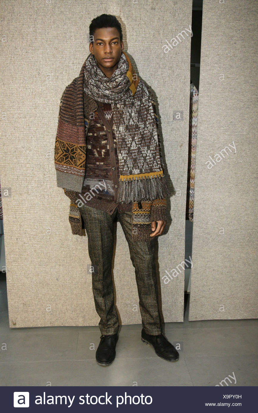 Missoni Milano pronto a indossare abbigliamento Uomo Autunno Inverno Kaki  verde e giallo controllato zampe dritto pantaloni 27bb2ef3c2a