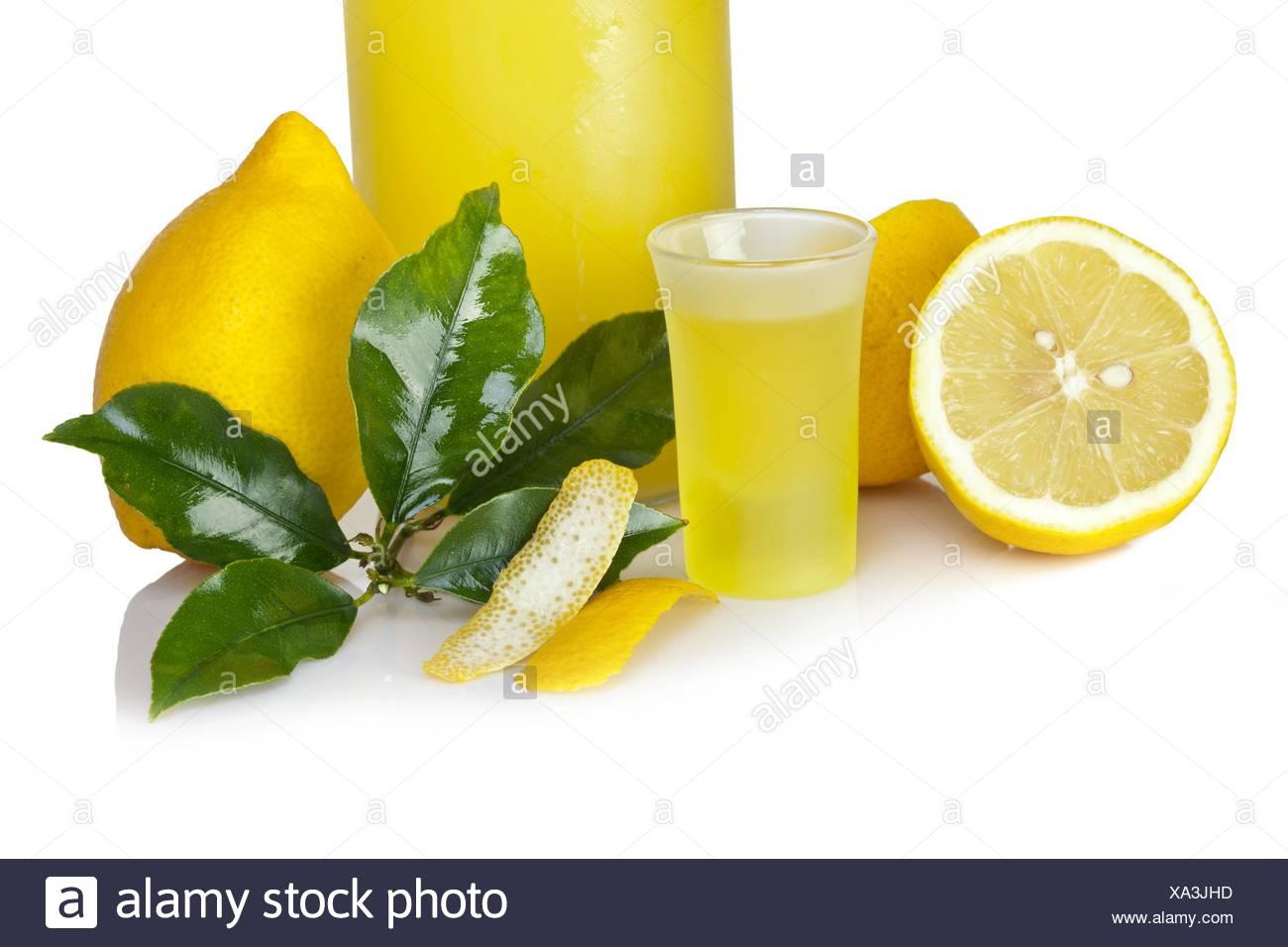 Italiano di bevanda alcolica - Limoncello. Immagini Stock