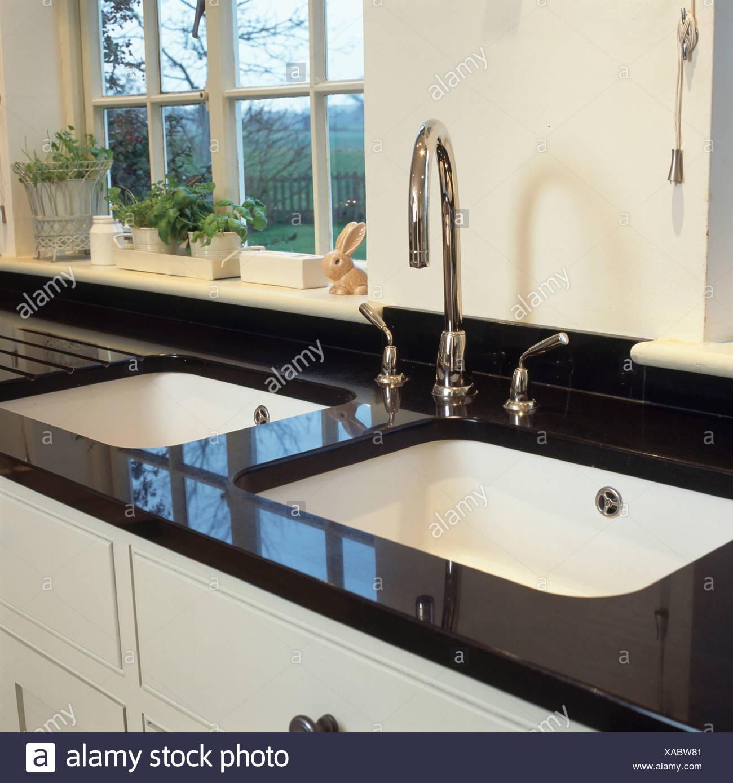 Doppia bianca lavelli e rubinetti cromati in granito nero ...