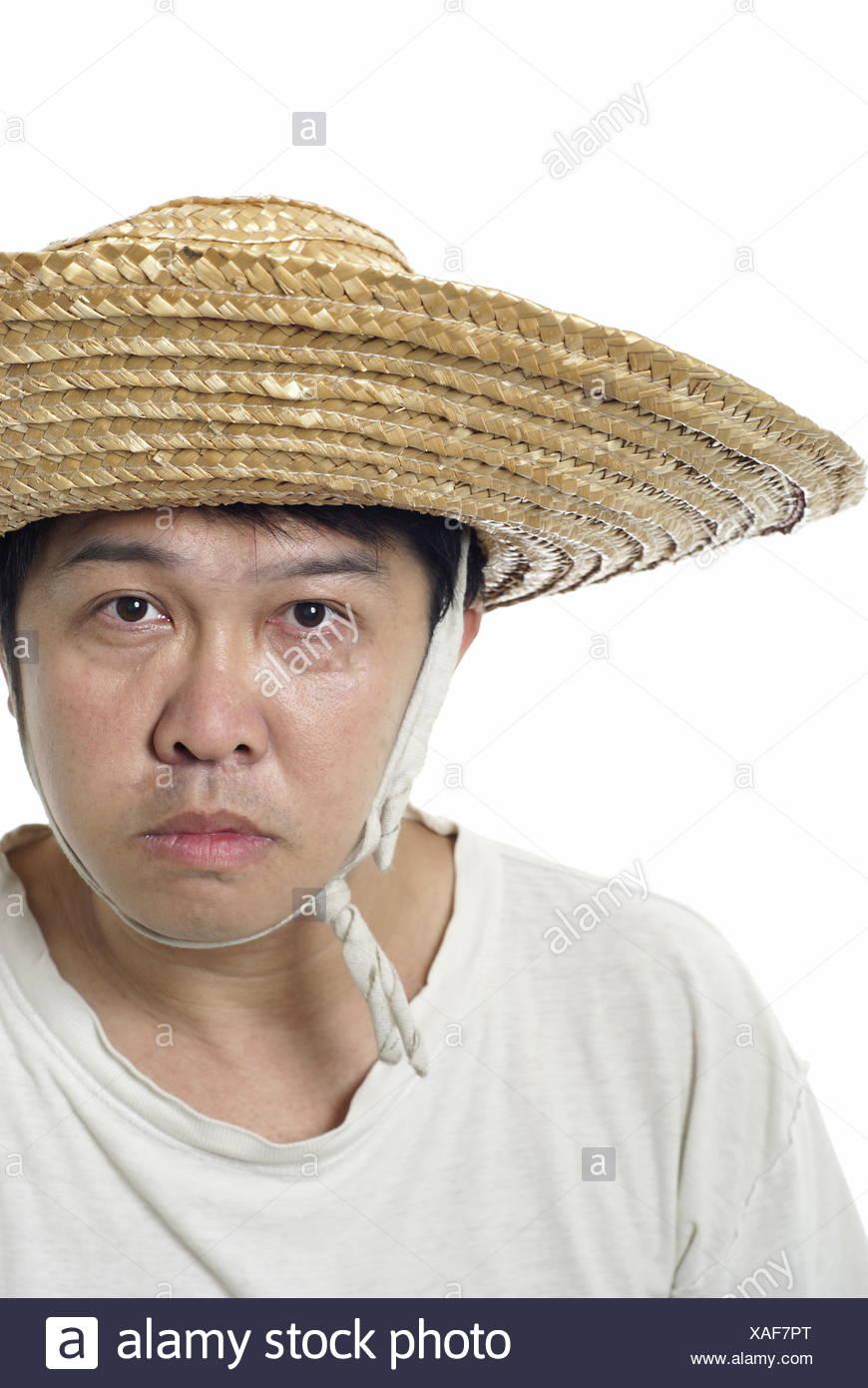 Asian contadino con cappello di paglia Foto   Immagine Stock ... d2d395295380