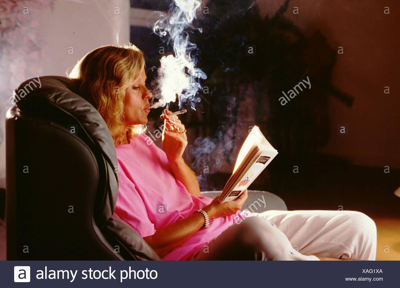 Leggere In Poltrona.Poltrona Fumo Di Sigaretta Pregiudizievoli Per La Salute