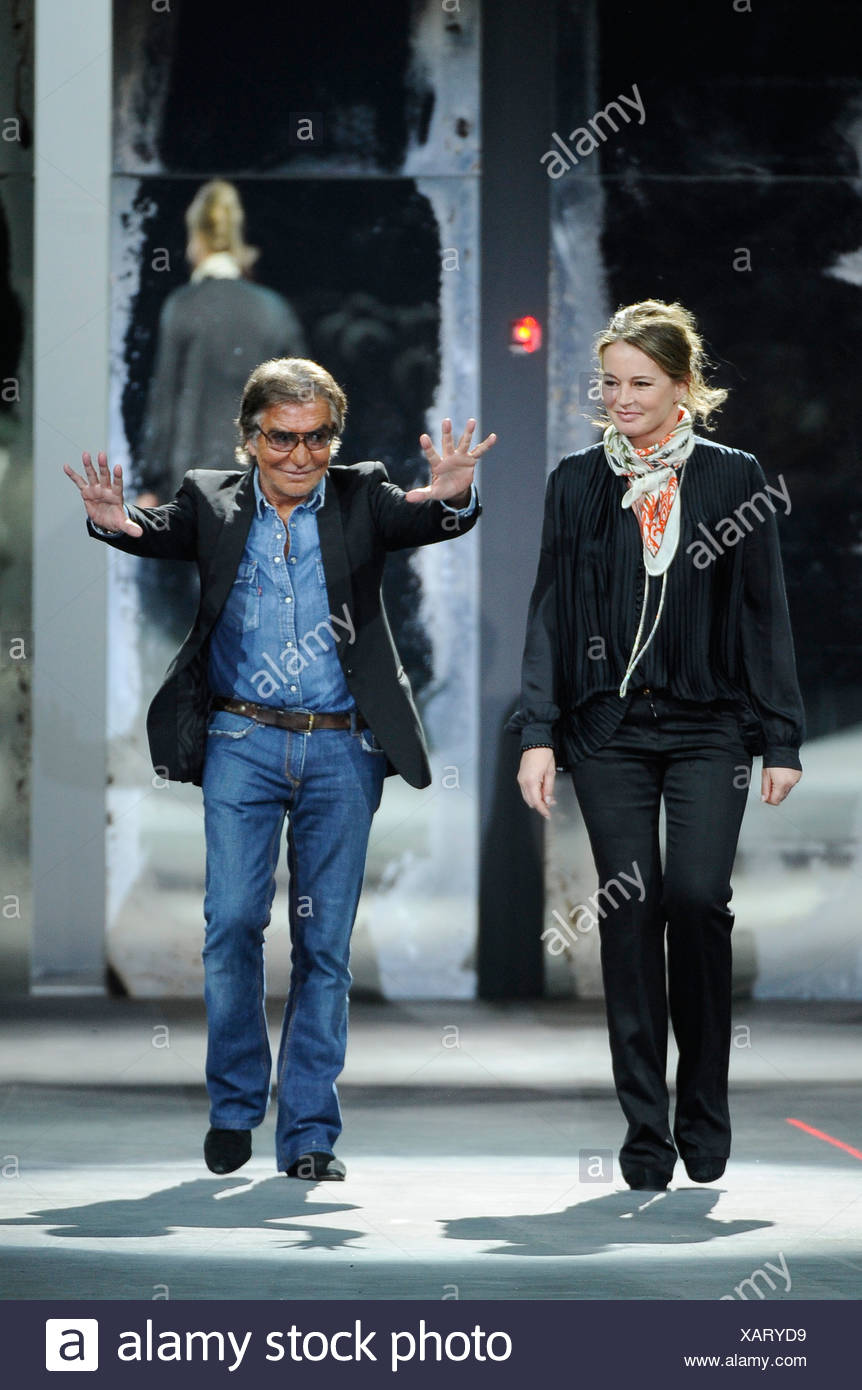 timeless design 0b099 a8b1b Roberto Cavalli Milano pronto a indossare abbigliamento Uomo ...